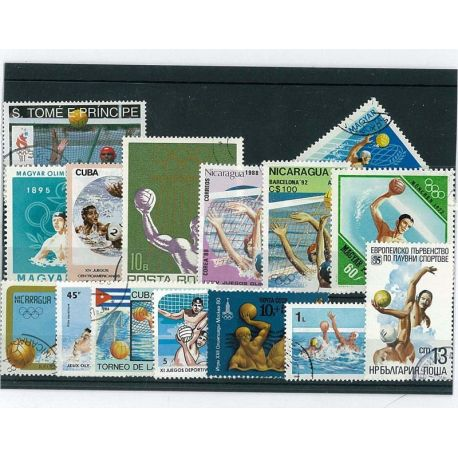 Wasserball: 15 verschiedene Briefmarken