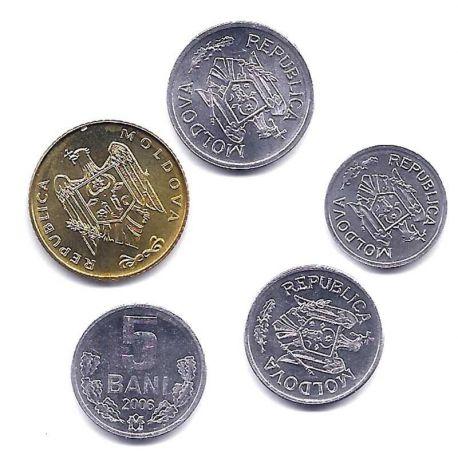 Moldavie - Série de 5 pièces différentes