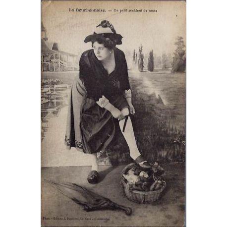 03 - La bourbonnaise - Un petit accident de route - Voyage - Dos divise
