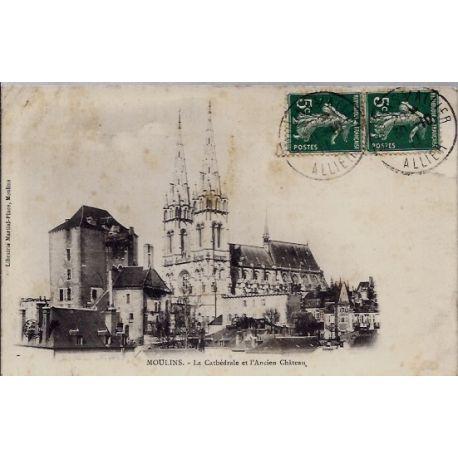 03 - Moulins - La cathedrale et l'ancien chateau - Voyage - Dos divise...