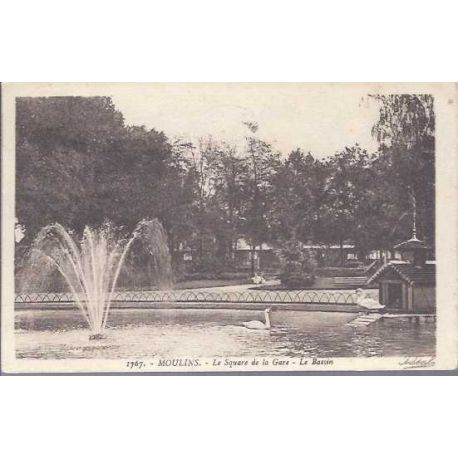 03 - Moulins - Le square de la Gare - Le bassin
