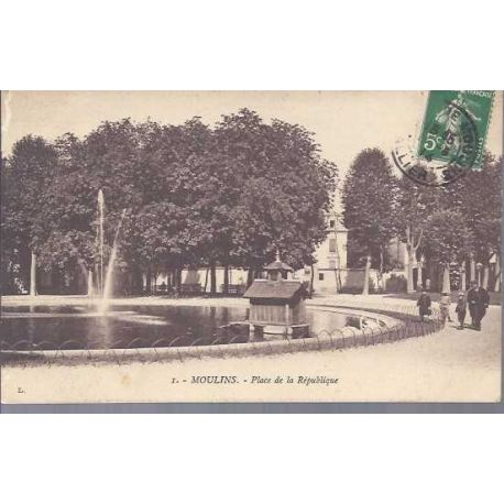 03 - Moulins - Place de la republique
