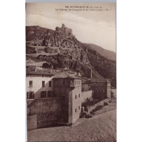 Carte postale 04 - Entrevaux - Le chateau - Les remparts et les tours - Non voyage - Dos d...