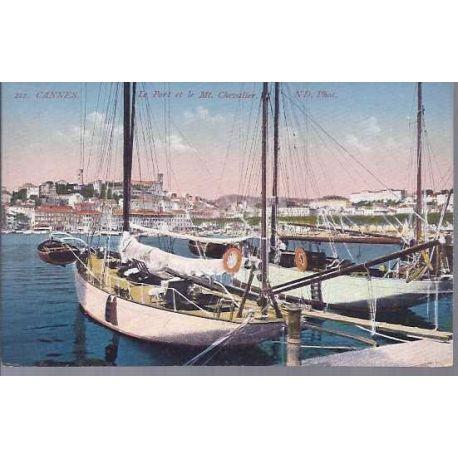 06 - Cannes - Le port et le mont Chevalier