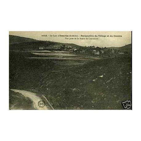 Carte postale 07 - Le lac d'Issaries - Perspective du village
