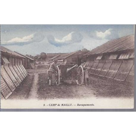 Carte postale 10 - Camp de Mailly - Baraquements et canon