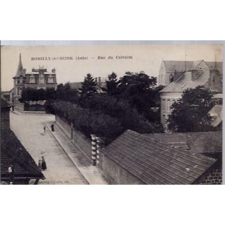 Carte postale 10 - Romilly-sur-seine - Rue du Calvaire - Voyage - Dos divise...