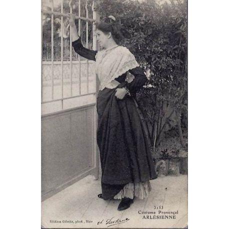 13 - Arles - Costume Provencal Arlesienne - Voyage - Dos non divise