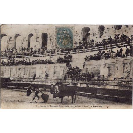 13 - Arles - Course de taureaux Espagnole, aux arenes d' Arles - Voyage - Do...
