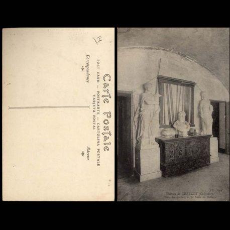 Carte postale 14 - Chateau de Creully - Deux des statues de la salle de billard