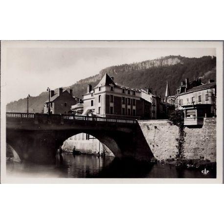 Carte postale 15 - Bort-les-Orgues - Le pont - Voyage - Dos divise...