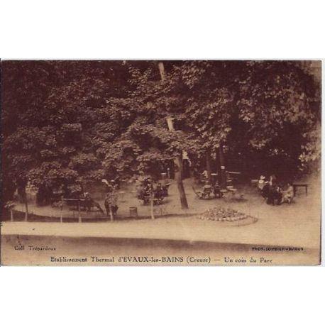 Carte postale 23 - Evaux-les-Bains - Etablissement Thermal d'Evaux-les-Bains - Un coin du pa