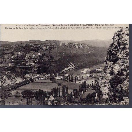 24 - Vallee de la Dordogne a Castelnaud - en face sur le flanc de la collin...