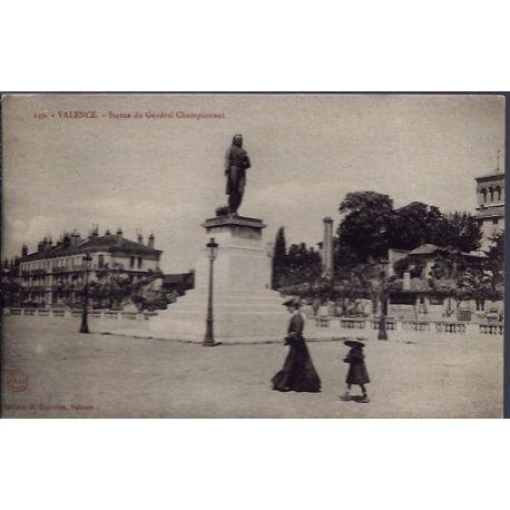 Carte postale 26 - Valence - Statue du general Championnet - Voyage - Dos divise...