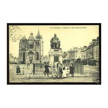 Carte postale 27 - Le Neubourg -L'Eglise et la place Dupont de l'eure