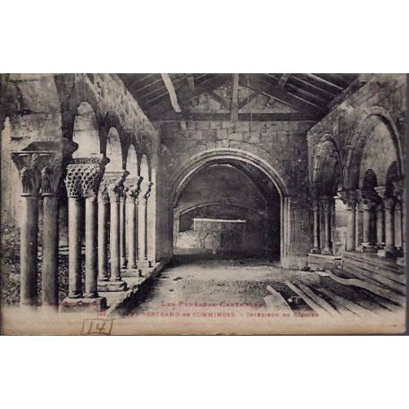 31 - St-Bertrand-de-Comminges - Interieur du Cloitre - Voyage - Dos divise...