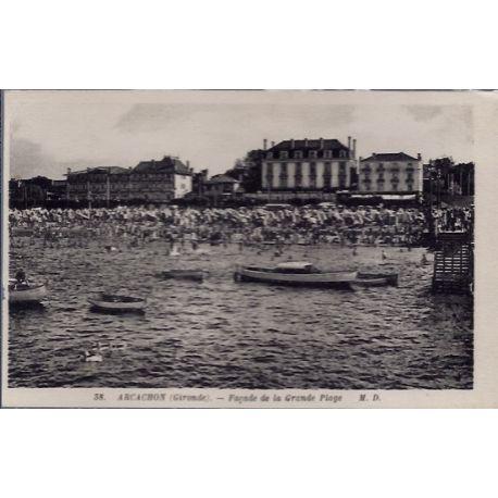 Carte postale 33 - Arcachon - Facade de la grande plage - Non voyage - Dos divise...