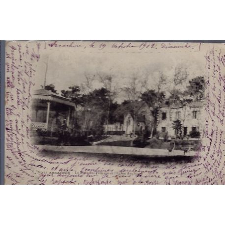 Carte postale 33 - Arcachon - la place des palmiers et l' eglise Anglicane - Voyage - Dos...