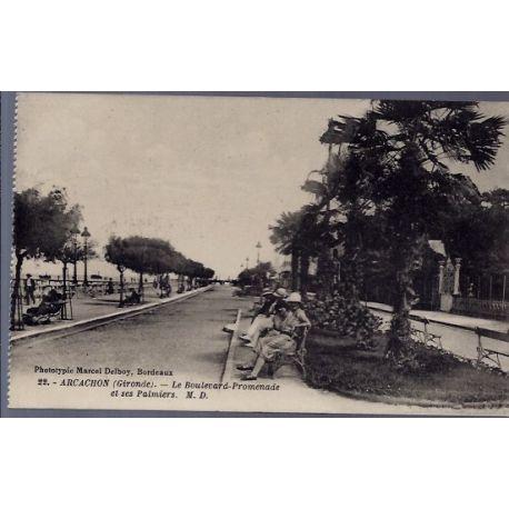 Carte postale 33 - Arcachon - le boulevard-promenade et ses palmiers - Non voyage - Dos d...