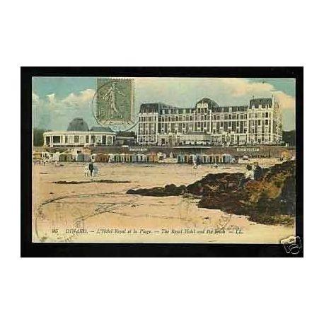 Carte postale 35 - Dinard - L'Hotel royal et la plage