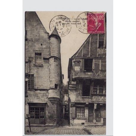 Carte postale 37 - Chinon - La rue Voltaire - Vieilles maisons - Voyage - Dos divise...