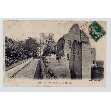 Carte postale 37 - Chinon - pont et douves du chateau - Voyage - Dos divise...