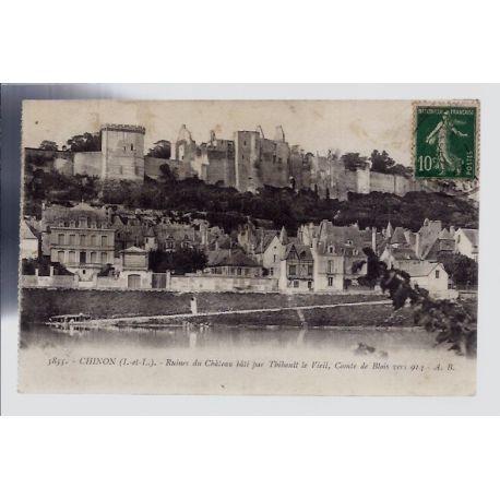 Carte postale 37 - Chinon - ruines du chateau bati par Thibault le vieil - Comte de blois...