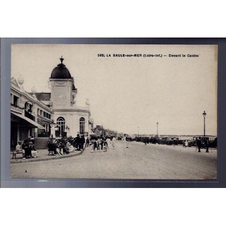 Carte postale 44 - La Baule-sur-Mer - Devant le Casino - Non voyage - Dos divise...