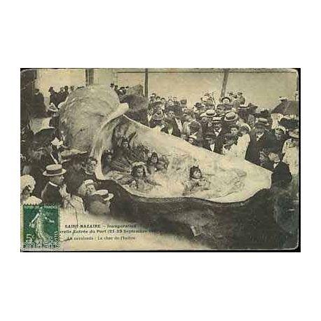 Carte postale 44 - St-Nazaire - La cavalcade - Le char de l'huitre