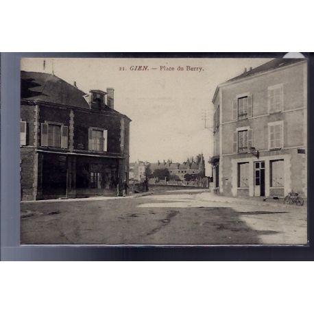 Carte postale 45 - Gien - place du Berry - Non voyage - Dos divise...