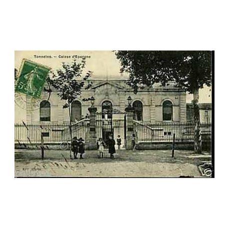Carte postale 47 - Tonneins - La Caisse d'epargne - Enfants