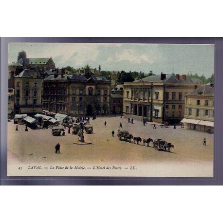 Carte postale 53 - Laval - La place de la Mairie - L' Hotel des Postes - Non voyage - Dos d