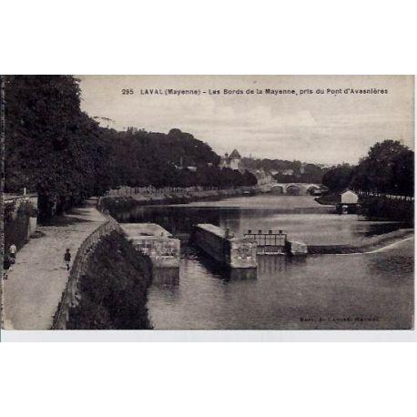 Carte postale 53 - Laval - Les bords de la Mayenne - Pris du pont d'Avasnieres - Voyage - Do