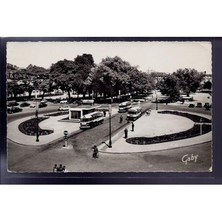 Carte postale 53 - Laval - Place du 11 novembre - Voyage - Dos divise