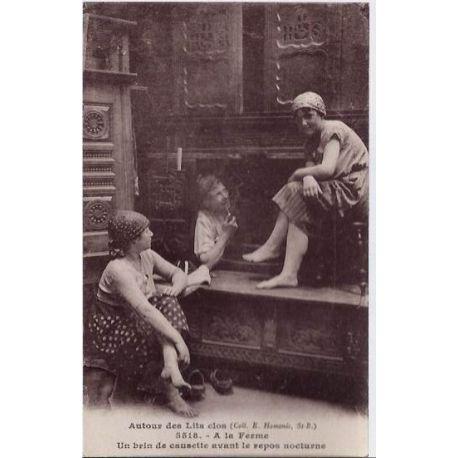56 - Autour des lits clos bretons - A la ferme - Un brin de causette avant le