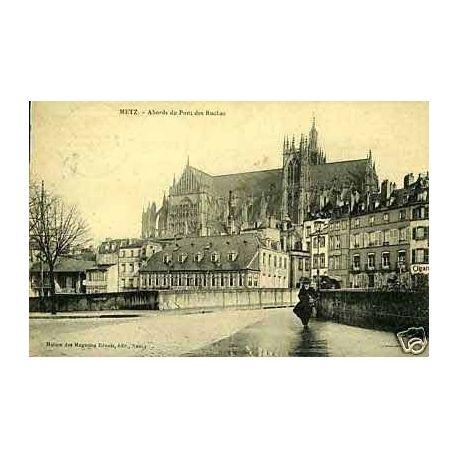 Carte postale 57 - Metz - Abords du pont des roches