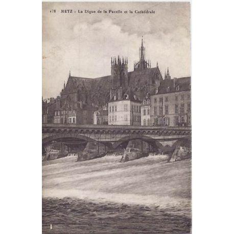 Carte postale 57 - Metz - Digue de la Pucelle et cathedrale