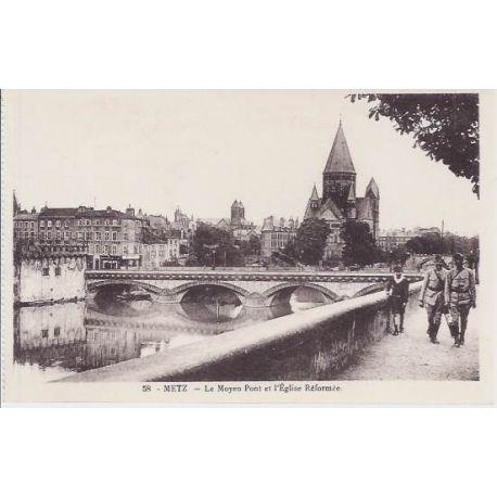 Carte postale 57 - Metz - Le moyen pont et l'eglise reformee