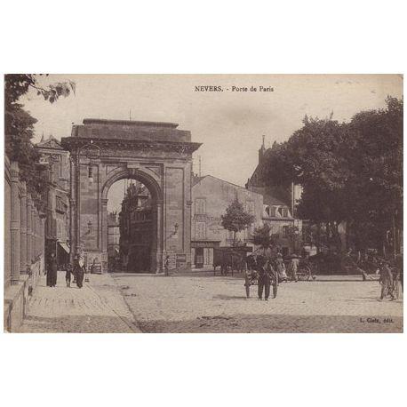 Carte postale 58 - Nevers - Porte de Paris - Animee