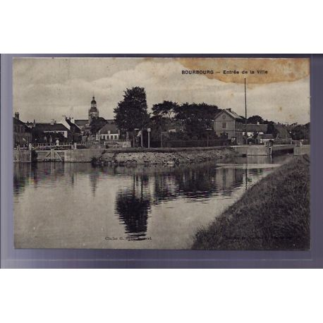 Carte postale 59 - Bourbourg - Entree de la Ville - Voyage - Dos divise