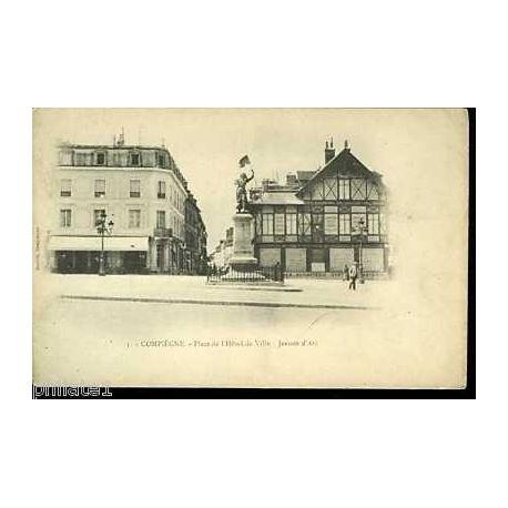 Carte postale 60 - Compiegne -Place de l'hotel de ville -Jeanne d'Arc