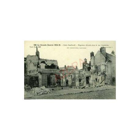 Carte postale 60 - CREIL BOMBARDE - MAGASINS DE LA RUE GAMBETTA