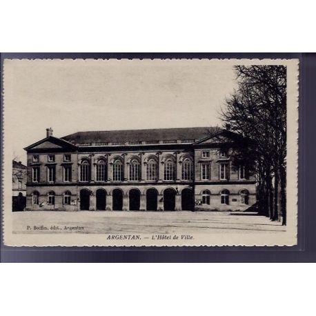 Carte postale 61 - Argentan - L' Hotel de Ville - Non voyage - Dos divise