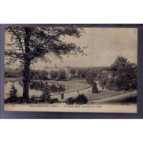 Carte postale 61 - Bagnoles-de-l'Orne - le Grand Hotel - vue prise du casino - Voyage - Dos