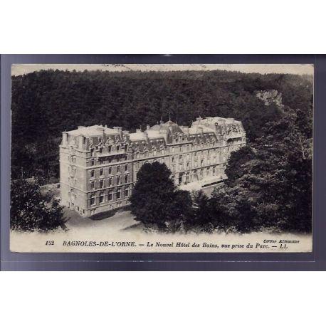 Carte postale 61 - Bagnoles-de-l'Orne - Le nouvel Hotel des Bains - vue prise du parc - Voy