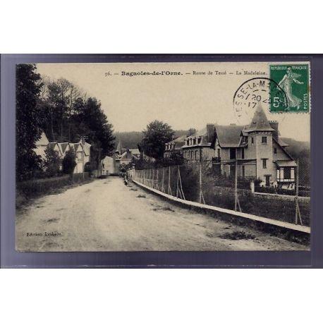 Carte postale 61 - Bagnoles-de-l'Orne - route de Tesse - La Madeleine - Voyage - Dos divise