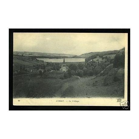 Carte postale 63 - Aydat - Le village - Vue generale