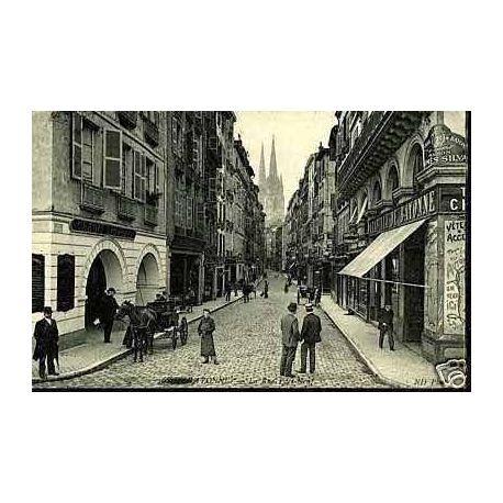 Carte postale 64 - Bayonne - La rue Port-Neuf