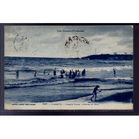 Carte postale 64 - Biarritz - Grande plage - l'heure du bain - Voyage - Dos divise