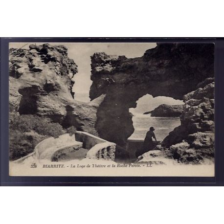 Carte postale 64 - Biarritz - La loge de Theatre et la roche Percee - Non voyage - Dos divi